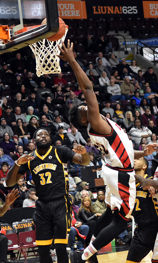 In his third tenure with the Windsor Express, Shaquille Keith (22) delivered the winning bucket to secure an 85-84 win over the London Lightning in the at-home season opener on 28 December 2019.Ian Shalapata
