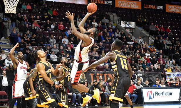 Express power forward Kirk Williams Jr (11) offers Sam Muldrow an offensive option from the high post. Muldrow chose the one-handed jumper while delivering a double-double against the London Lightning on 28 December 2019.Ian Shalapata