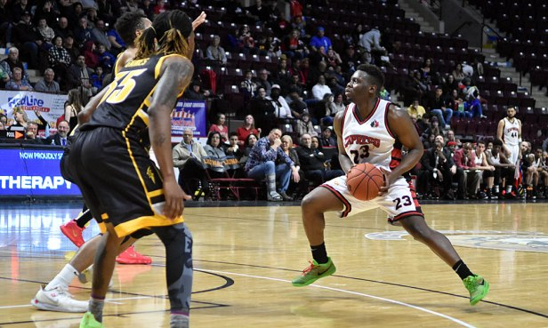The agile Kemy Osse directed the Windsor offense against London on 28 December 2019. Osse was filling in for the injured Chris Jones and delivered 19 points, 6 rebounds, 3 assists, and 2 steals in an 85-84 victory to open the 2019-20 NBLC season.Ian Shalapata