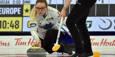Alina Paetz at Curling Canada's 2020 Continental Cup as part of the Season of Champions at the Western Fair Sports Centre in London, Ontario, on 11 January 2020. Ian Shalapata.