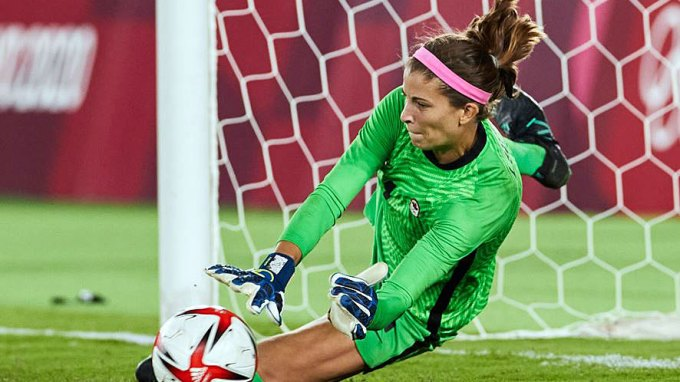 Stephanie Labbé makes a save during penalty kicks in the Olympic gold medal game on 6 August 2021. Canada defeated Sweden 3-2 on penalties. Source: Canada Soccer/Twitter.